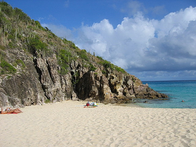 One of the beaches karibia 4 st barts marigot maho for Marigot beach st barts